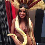 Cristina Pedroche en bikini con una serpiente