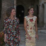 La Reina Sofía y la Reina Letizia en la recepción a la sociedad balear del verano 2017