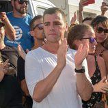 Fonsi Nieto aplaude el homenaje que recibió Ángel Nieto en las puertas del tanatorio