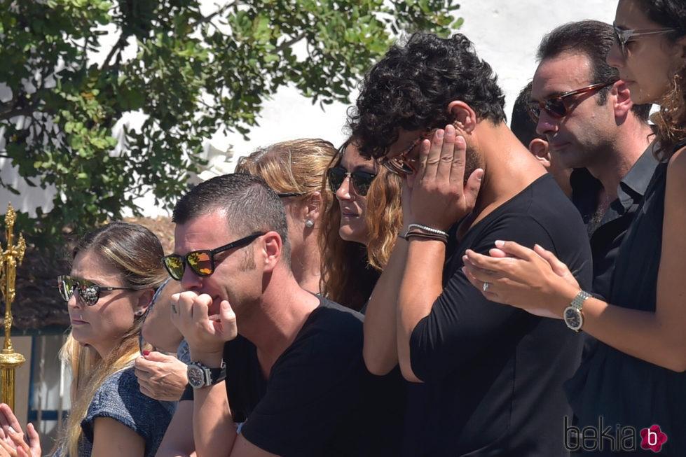 Fonsi Nieto, Miguel Abellán y Enrique Ponce lloran la pérdida de Ángel Nieto