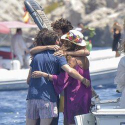 Gelete Nieto, Pablo Nieto, Hugo Nieto y Belinda Alonso se despiden entre lágrimas de Ángel Nieto