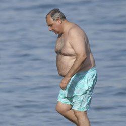 Fernando Martínez de Irujo disfruta de sus vacaciones de verano en Marbella