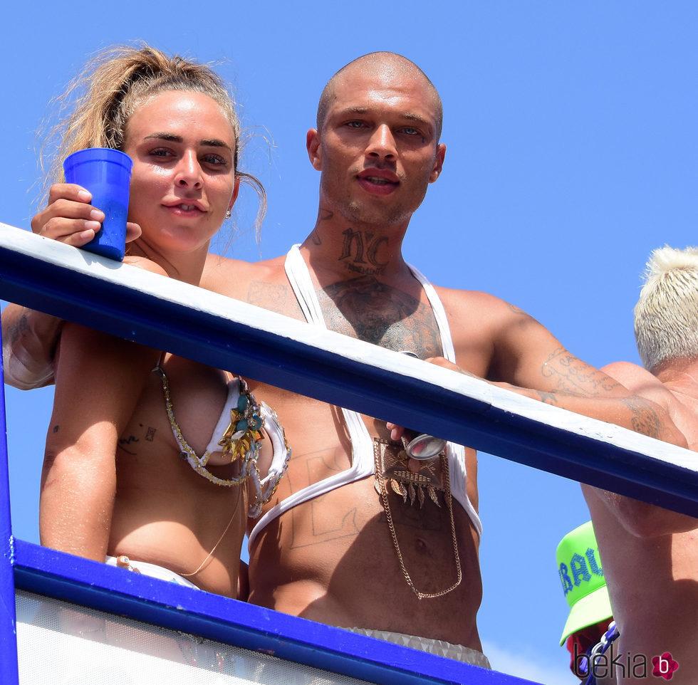 Chloe Green y Jeremy Meeks enamorados en Barbados