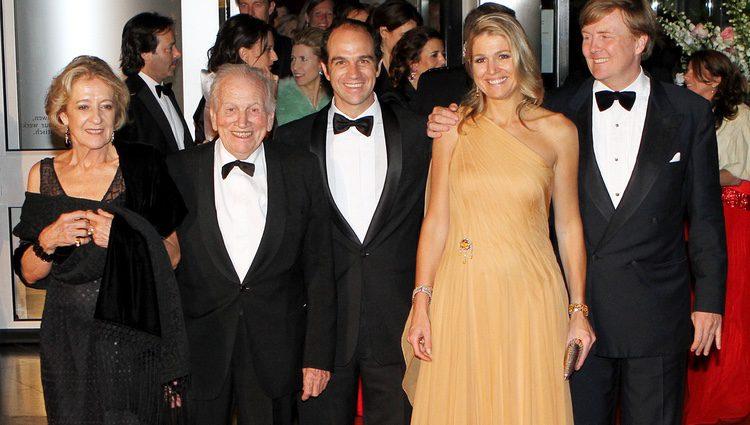 Máxima de Holanda con Guillermo de Holanda y sus padres Jorge Zorreguieta y María del Carmen Cerrruti