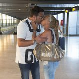 Belén Esteban vuelve de sus vacaciones en Menorca con Miguel