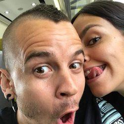 David Muñoz y Cristina Pedroche jugueteando