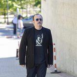 Carlos Areces en el tanatorio de Terele Pávez en Madrid