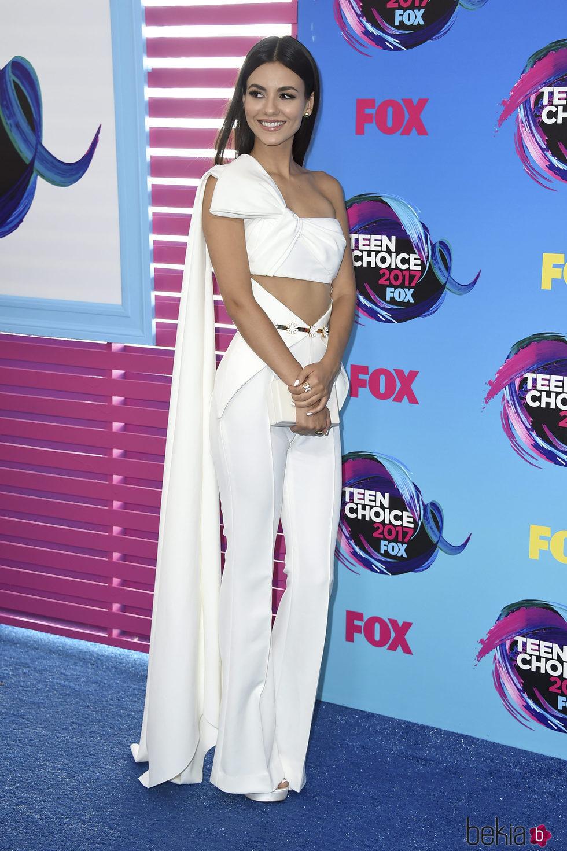 Victoria Justice en los Premios Teen Choice 2017