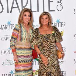 Cari Lapique y una amiga en la Gala Starlite 2017 en Marbella