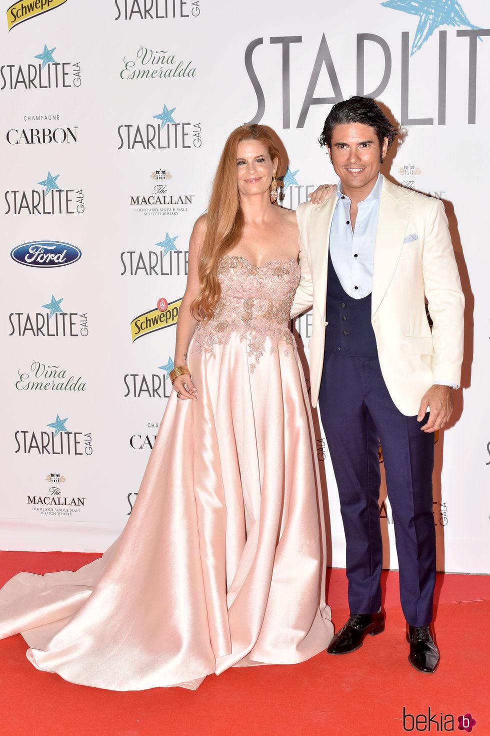 Olivia de Borbón y Julian Porras en la Gala Starlite 2017 en Marbella