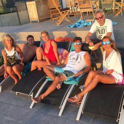 Toño Sanchís, Lorena Romero, Olvido Hormigos y otros amigos en Cádiz