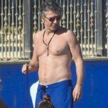 Alejandro Gravier con el torso desnudo en Marbella