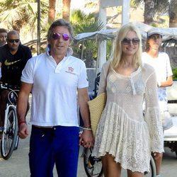 Alejandro Gravier y Valeria Mazza en Marbella