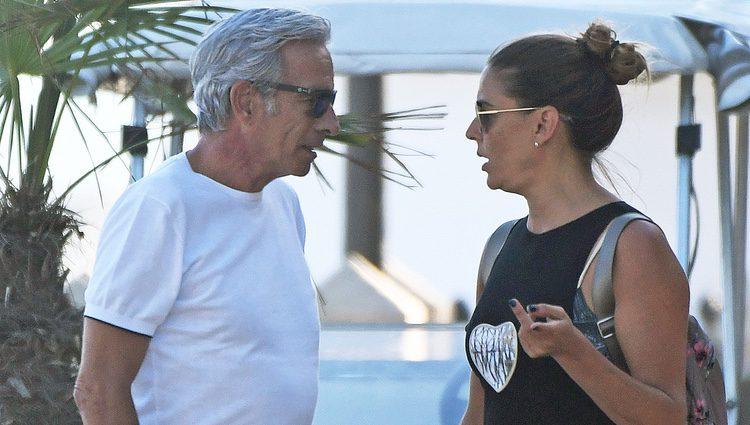 Imanol Arias e Irene Meritxell, de vacaciones en Marbella