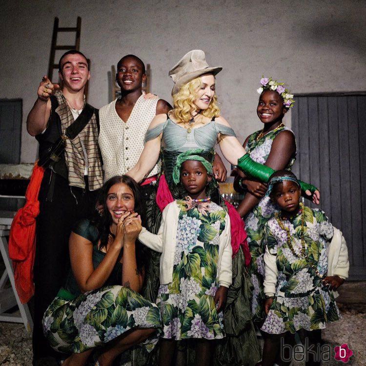 Madonna con sus 6 hijos celebrando su cumpleaños
