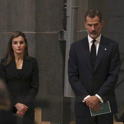 Los Reyes Felipe y Letizia, muy afectados en la Misa por la Paz por los atentados de Barcelona y Cambrils