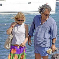 Eugenia Martínez de Irujo con su pareja Narcís Rebollo en Ibiza