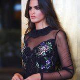 La blogger Marta Lozano posando con un look de fiesta