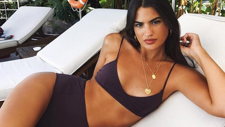 Marta Lozano posando en bikini