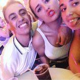 Isma y Andrea Janeiro tomando algo con una amiga en Benidorm