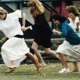 Lady Di corriendo en una carrera para madres