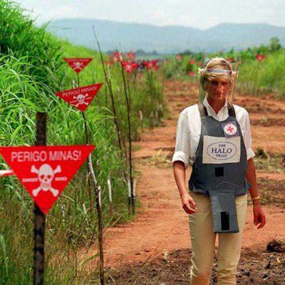 Lady Di en su campaña contra las minas antipersonas