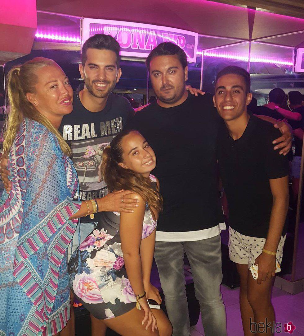 Belén Esteban y Miguel, Andrea Janeiro, Isma y Suso en Benidorm