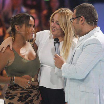 Jorge Javier Vázquez con Rocío Flores y Gloria Camila en el plató de 'Supervivientes 2017'