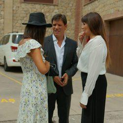 Sergio Peris-Mencheta y Rozalén en la boda de Alberto Garzón y Anna Ruiz en Ceniceros