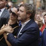 Juan Peña y su mujer Sonia González en el funeral de Dámaso González