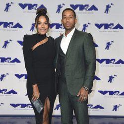 Ludacris y Eudoxie Mbouguiengue en los MTV VMA 2017