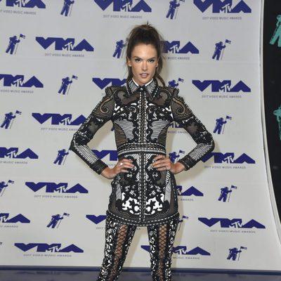 Alessandra Ambrosio en los MTV VMA 2017