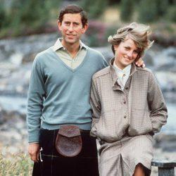 El Príncipe Carlos y Lady Di de recién casados