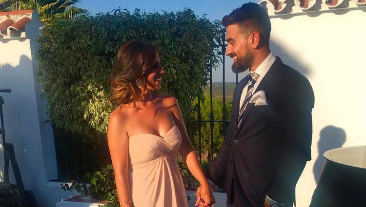 Anabel Pantoja y Juanlu Viñolo muy sonrientes
