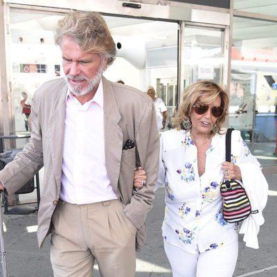 María Teresa Campos y Bigote Arrocet llegan a Madrid tras sus vacaciones
