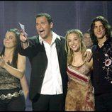 Manuel Carrasco con Beth y Ainhoa Cantalapiedra en 'OT 2'