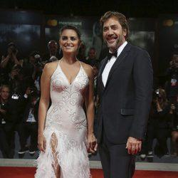 Penélope Cruz y Javier Bardem en la alfombra roja del Festival de Venecia 2017
