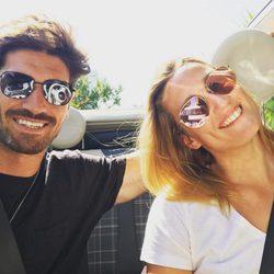 Mireia Belmonte y Javier Hernanz celebrando sus tres años de amor