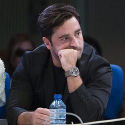 David Bustamante con rostro serio