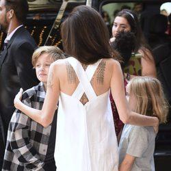 Angelina Jolie con Shiloh y Vivienne en el Festival Internacional de cine de Toronto