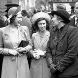 La Reina Isabel y la Princesa Margarita en 1945