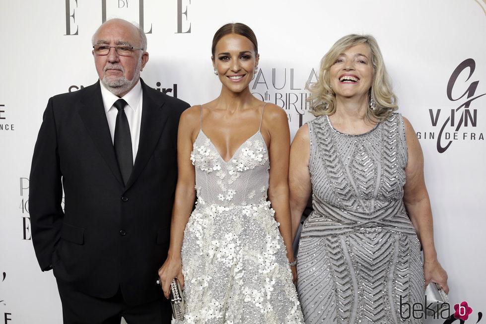 Paula Echevarria con sus padres en la fiesta de su 40 cumpleanos