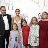 Paula Echevarría celebrando su 40 cumpleaños con su hermano, su cuñada, su hija Daniella y sus sobrinas