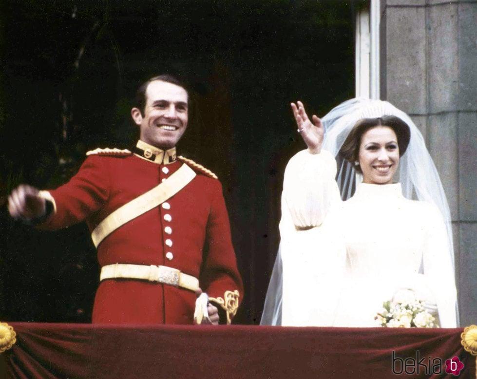 La Princesa Ana y Mark Phillips en su boda