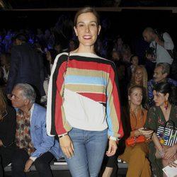 Raquel Sánchez Silva en el front row desfile de Dolores Cortés e Ion Fiz en Madrid Fashion Week primavera/verano 2018