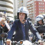 Pablo Nieto en el homenaje motero de Ángel Nieto en las puertas del Bernabéu