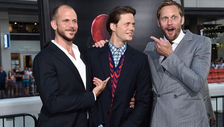 Gustaf Skarsgard, Bill Skarsgard y Alexander Skarsgard en la premiere de 'It'
