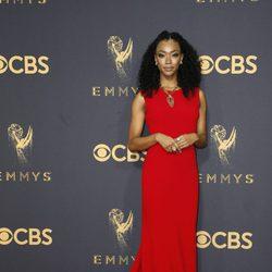 Sonequa Martin-Green en la alfombra roja de los Premios Emmy 2017