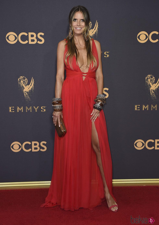 Heidi Klum en la alfombra roja de los Premios Emmy 2017