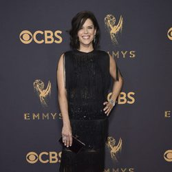 Neve Campbell en la alfombra roja de los Premios Emmy 2017